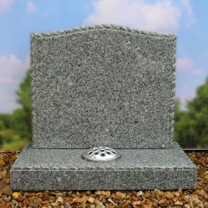 Light grey cremation memorial with rope design